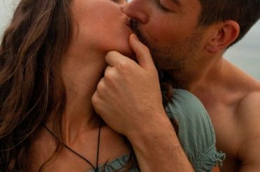 5 Things You May Be Doing That Can Ruin A Romance